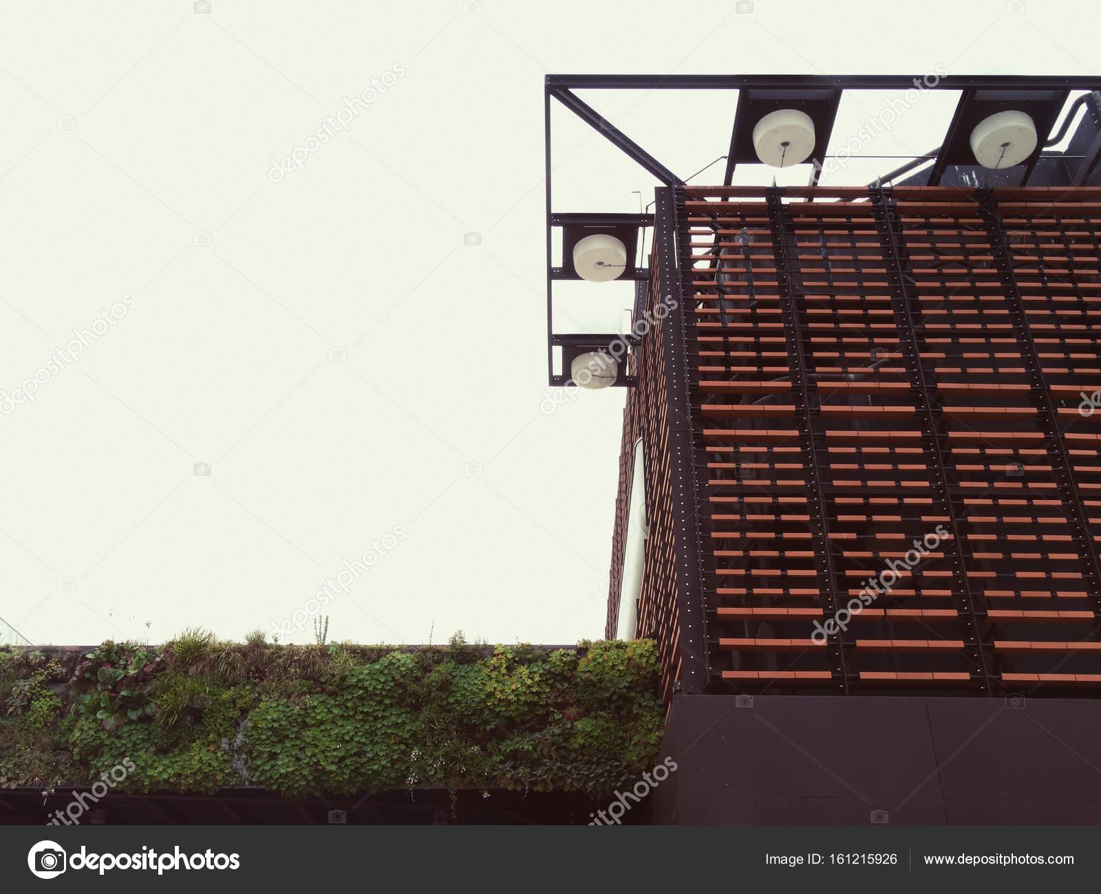 Moderne Architektur und Grass in Tarbes, Frankreich — Stockfoto ...