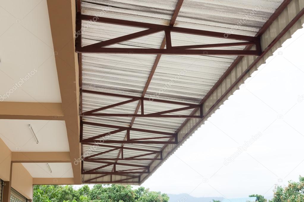 Lamina d argento isolamento termico sulla casa del tetto del