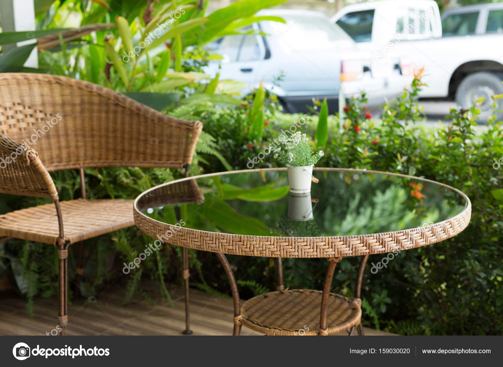 cristal mesa rattan mimbre asiento silla decoración y — Foto de ...