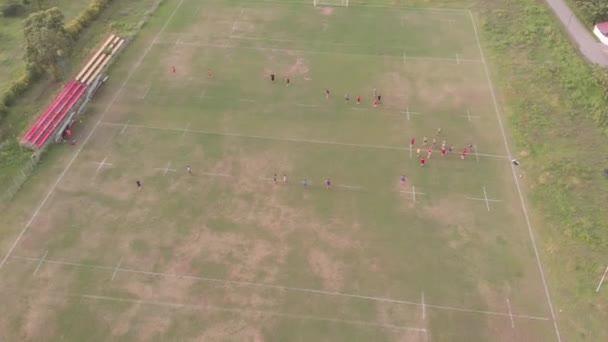 fotbalový a fotbalový trénink shora