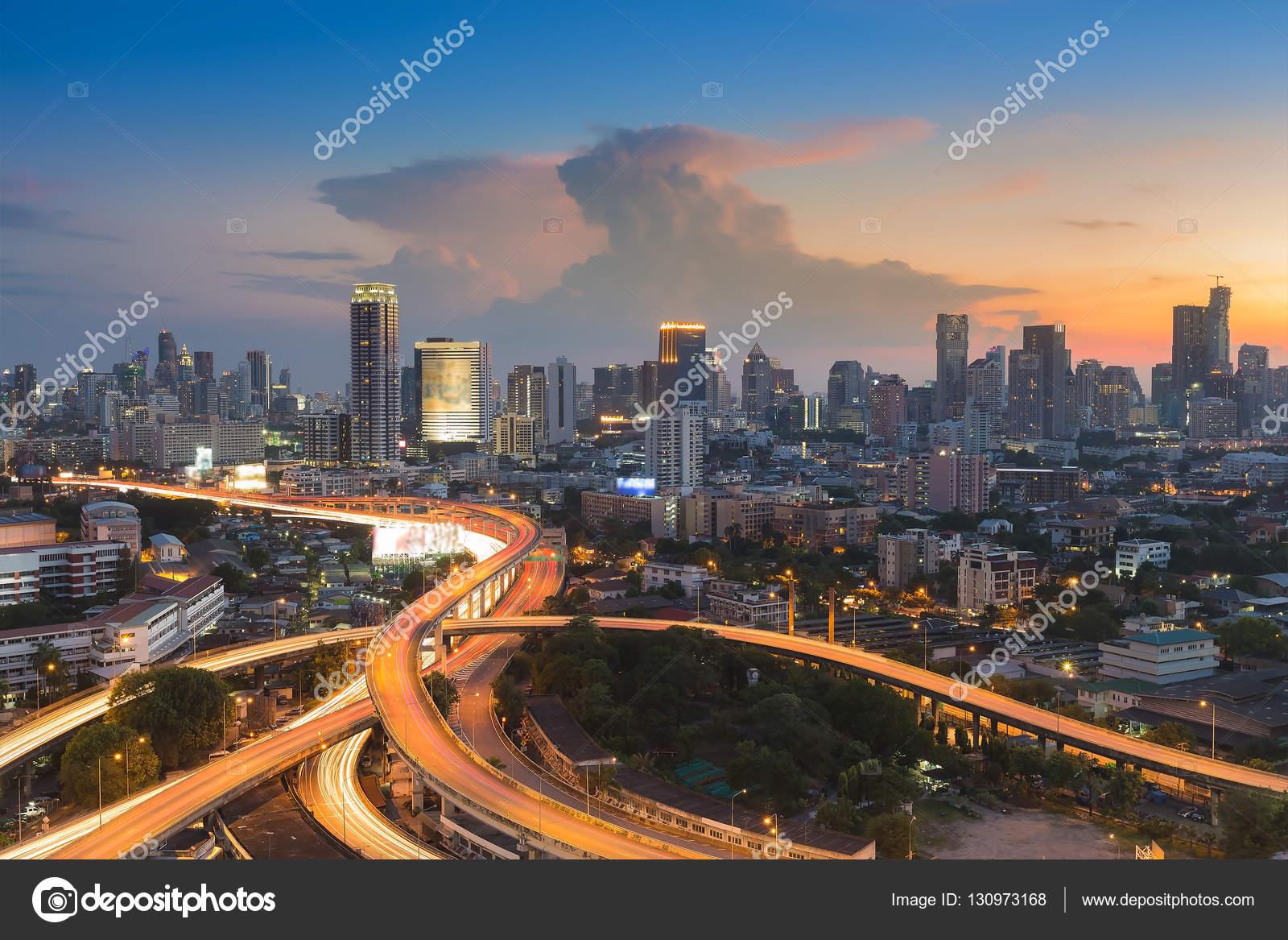 şehir şehir Arka Plan Stok Foto Pranodhm 130973168