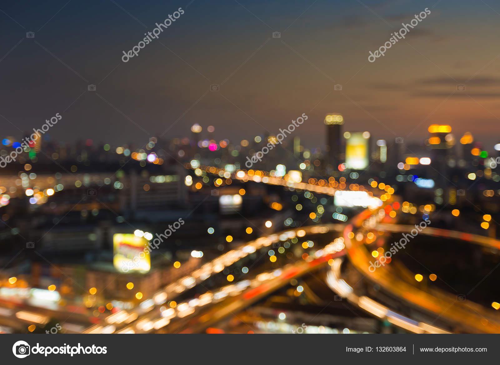 Güneş Battıktan Sonra Bulanık ışıklar şehir şehir Arka Plan Stok