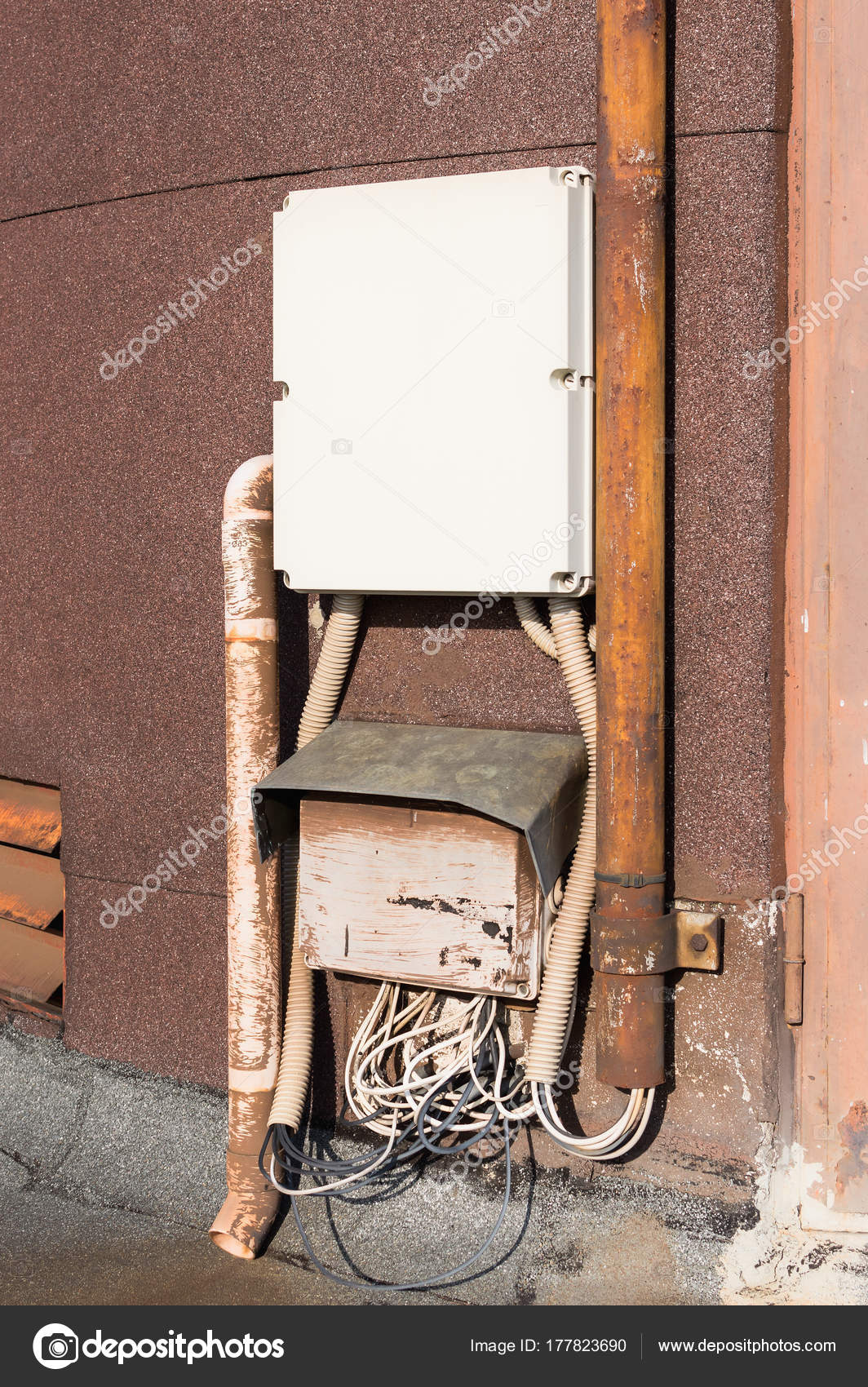 Old electrical cabinet and wires on wall. — Stock Photo ... on