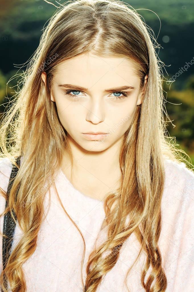 Hübsches Mädchen 18