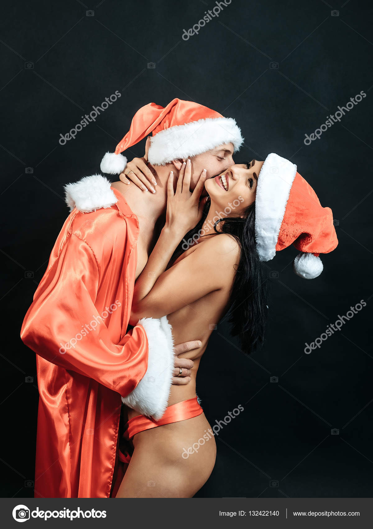 naked-gorl-santa-hat-irani-amatur-pusy-sucking