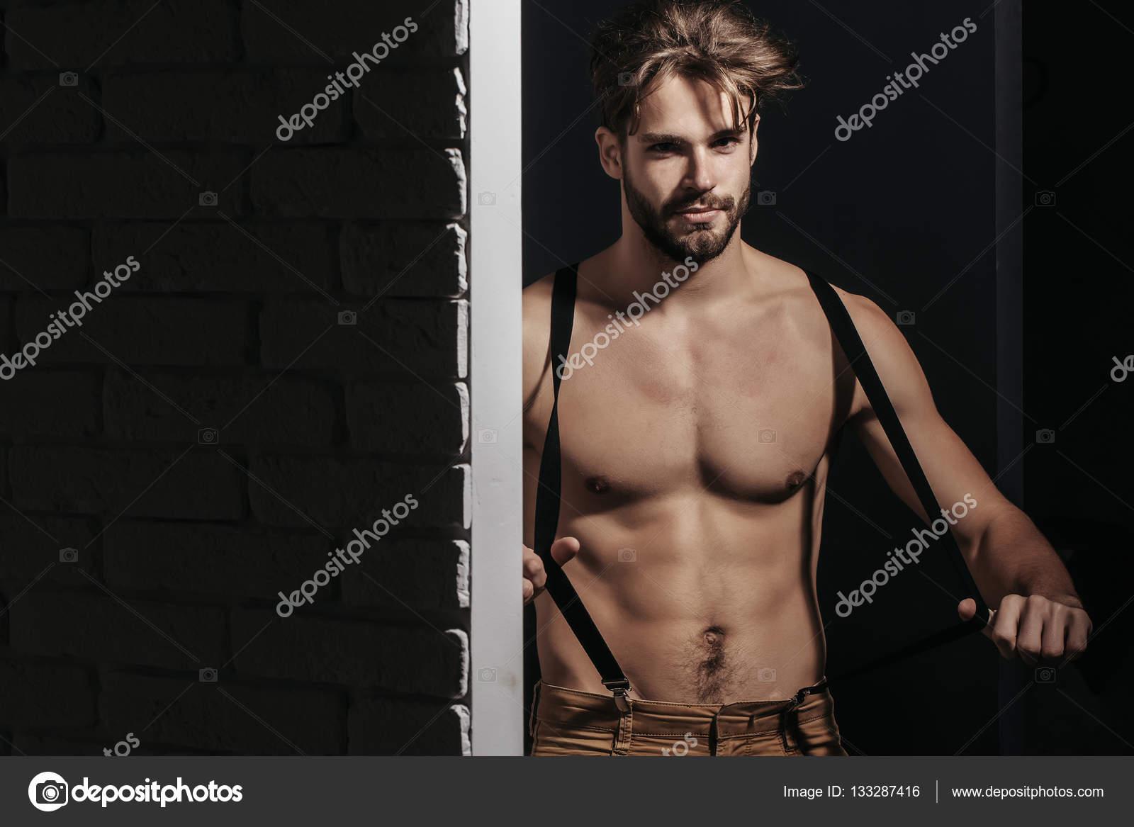 Guapo atractivo musculoso — Fotos de Stock © Tverdohlib