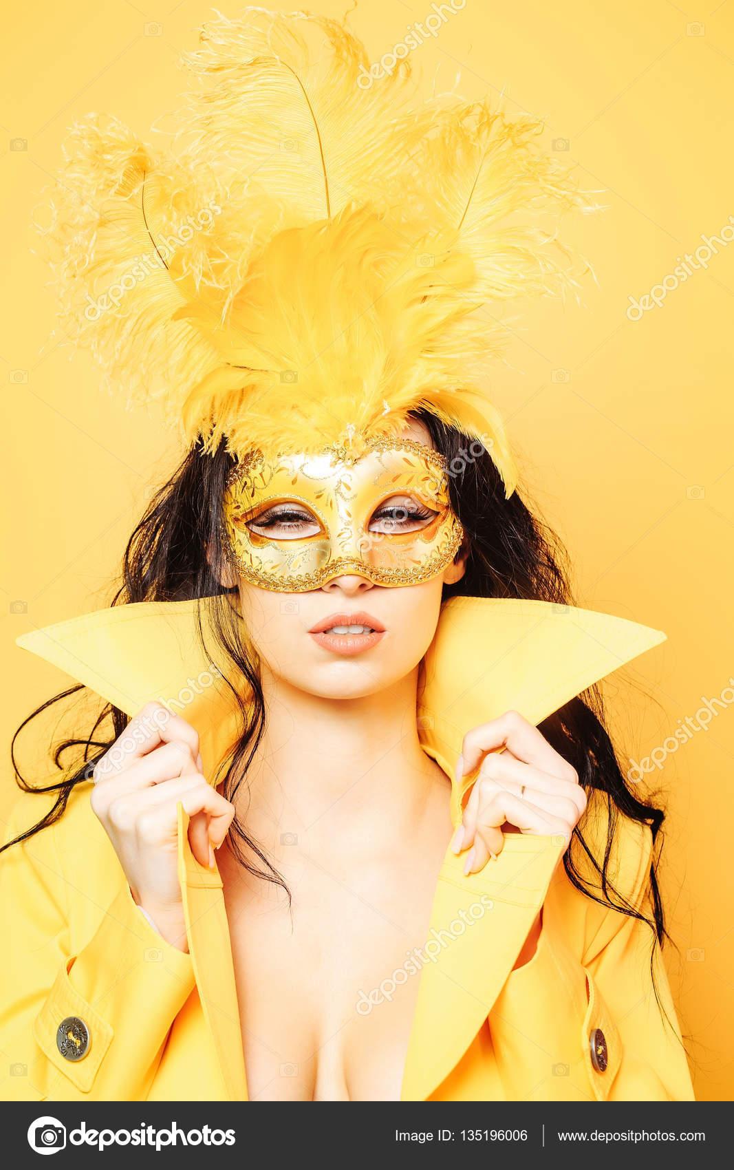 Fille Carnaval Au Jolie De Masque 0q07zwd