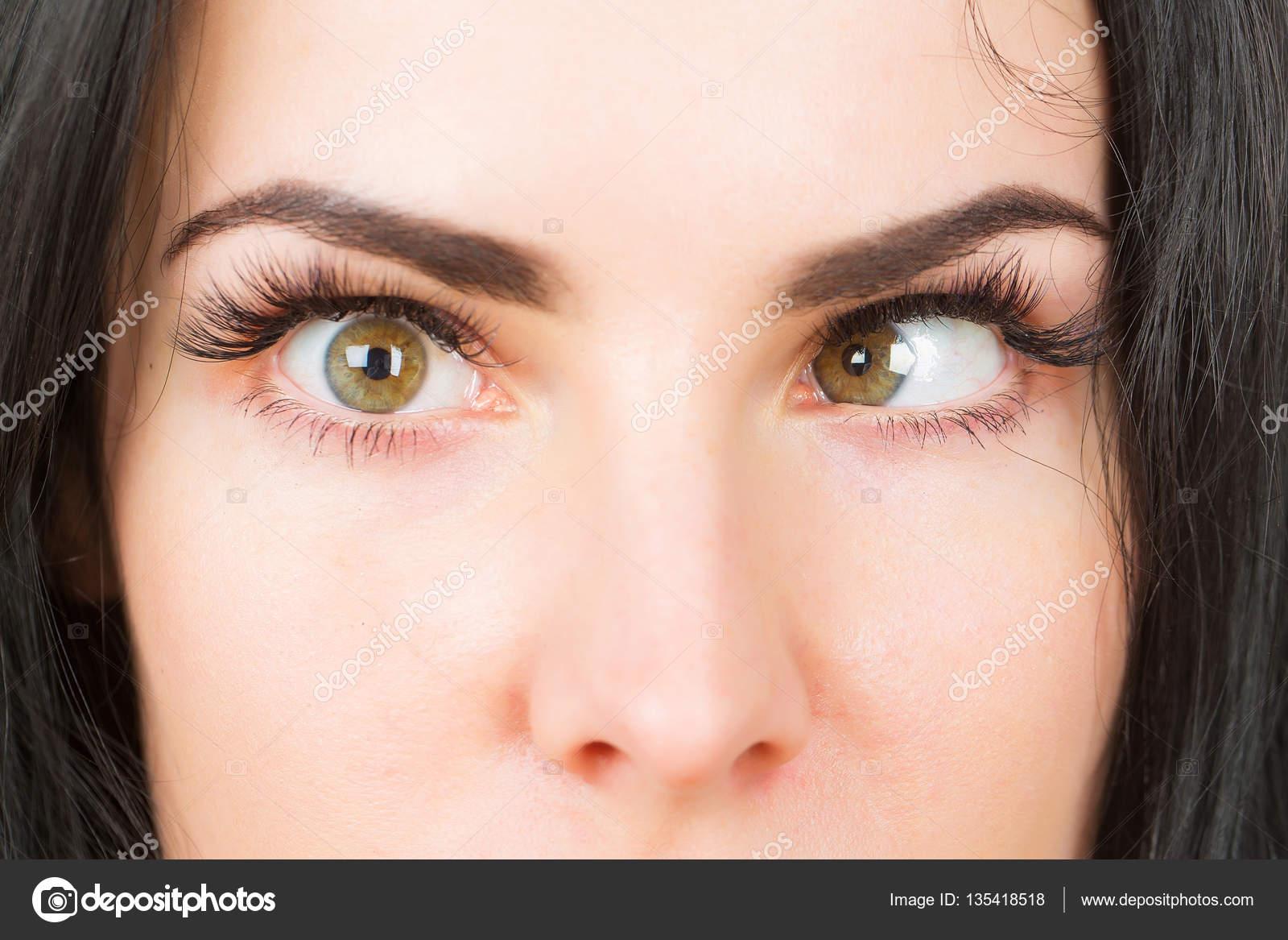 kancsalság őrült női szemmel — Stock Fotó © Tverdohlib.com  135418518 d460bda652