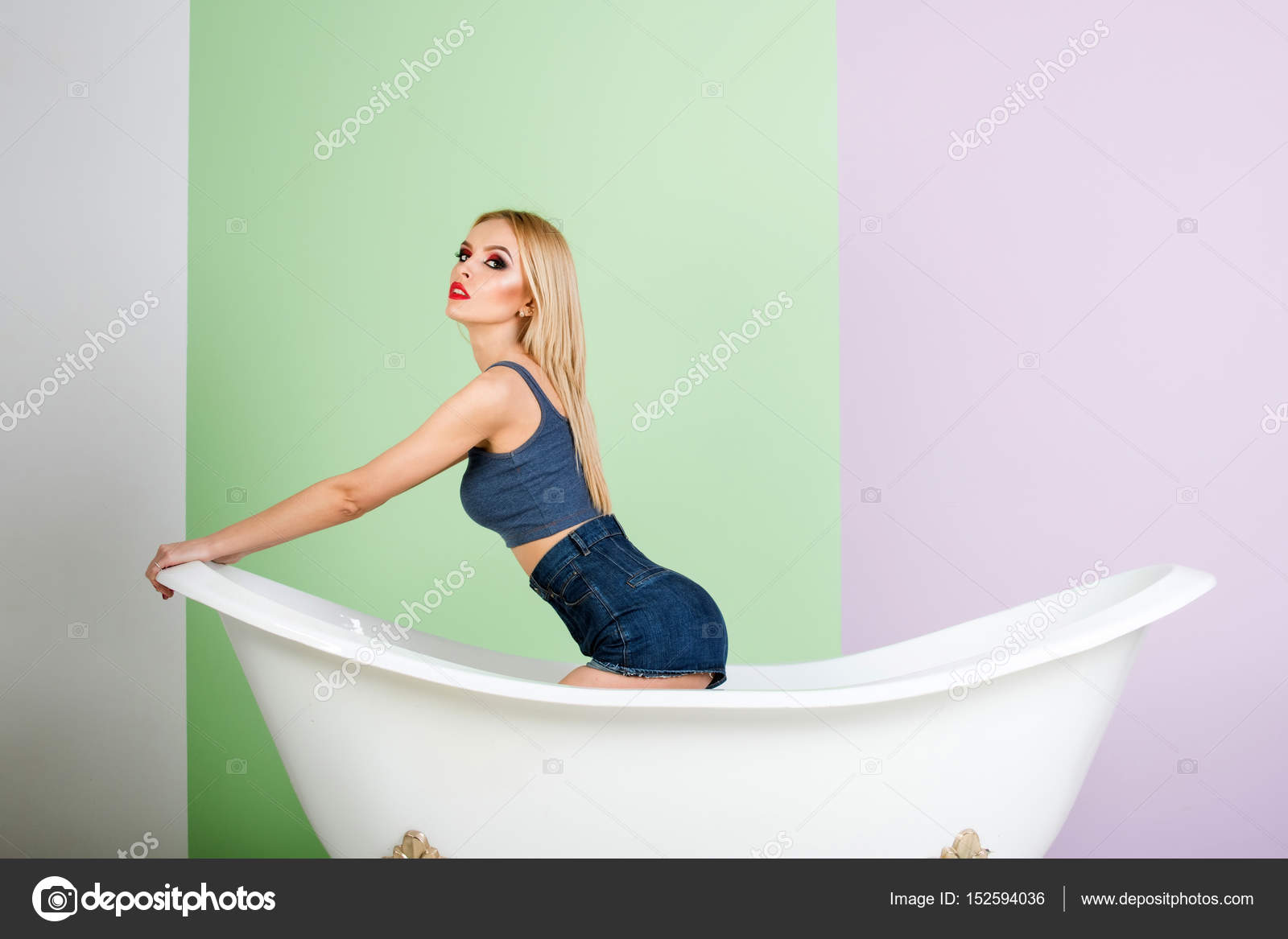Девчонки в ванной комнате выполненные проекты ванной комнаты