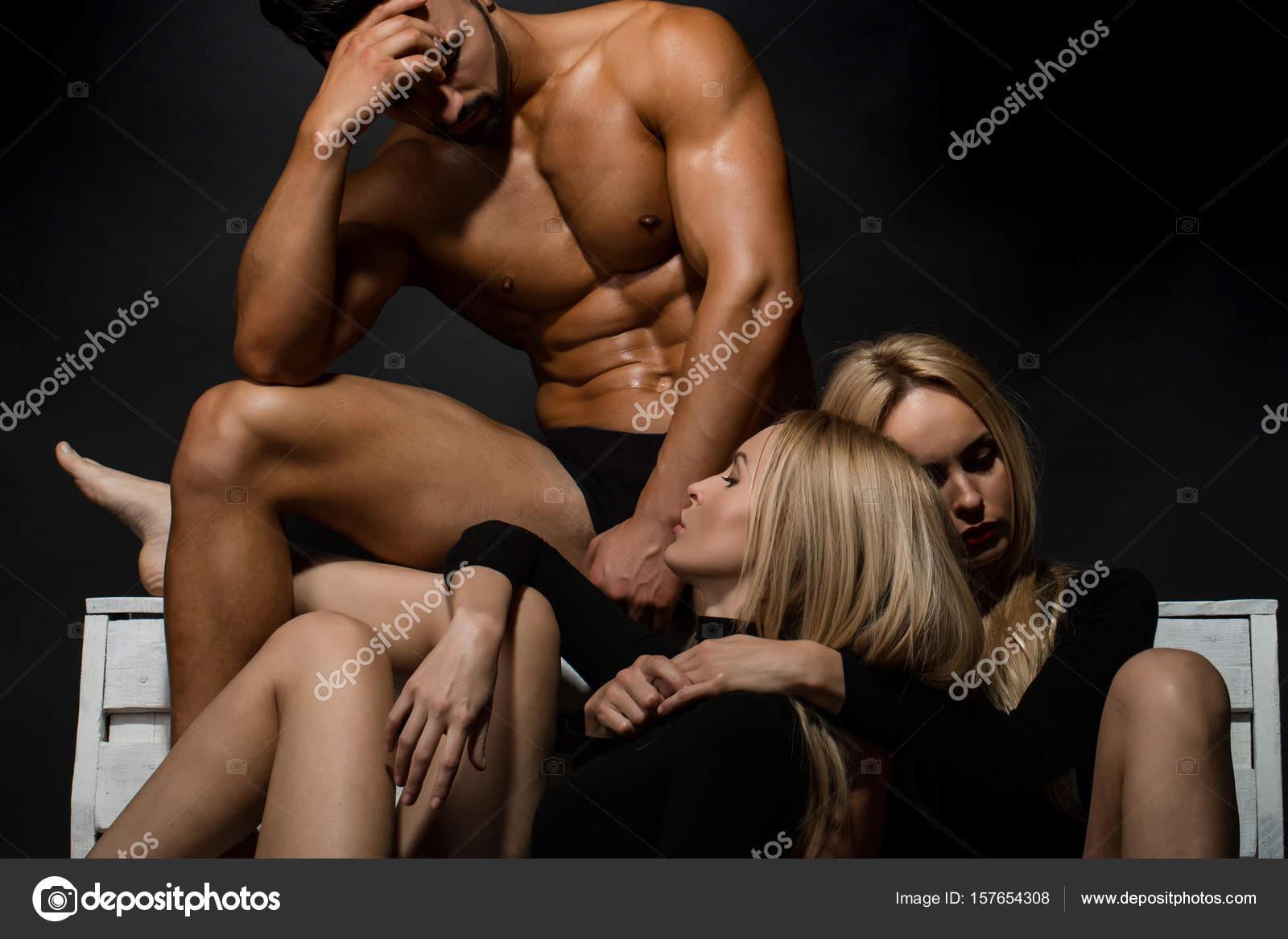 Leszbikusok csábítás
