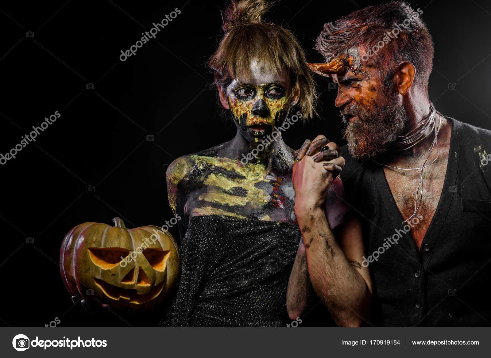 bb22ce4e1c39 Хэллоуин кошелек или жизнь концепции — Стоковое фото © Tverdohlib ...