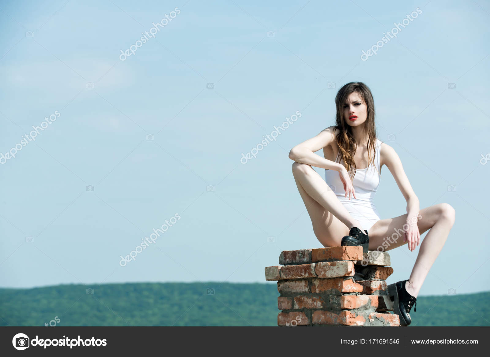 [Imagen: depositphotos_171691546-stock-photo-girl...onable.jpg]