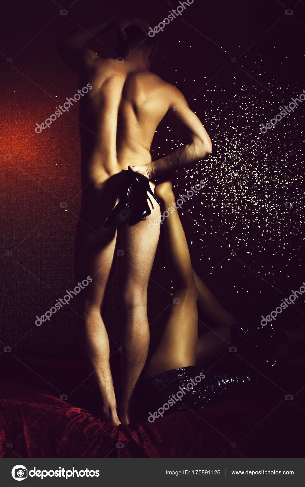 Pareja De Hombre Y Mujer Muy Sexy En Vestido Fotos De Stock