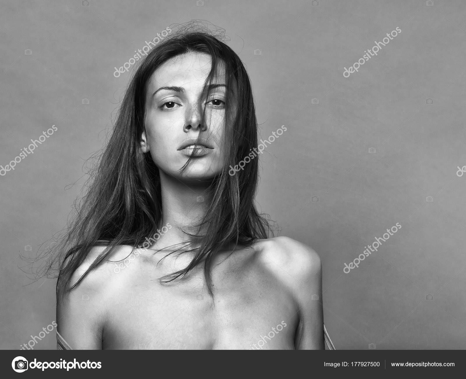 Porn pics girls naked