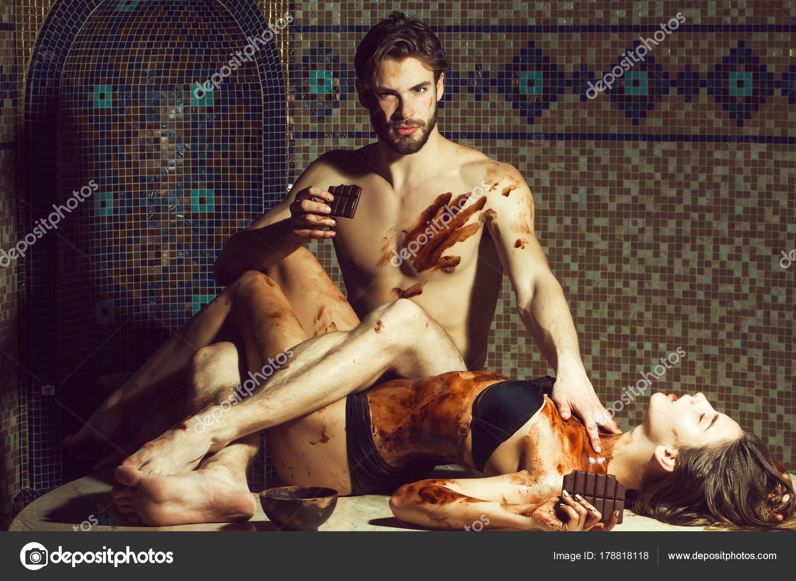 krasivih-simpatichnih-eroticheskih-devushek-vzroslaya-tetya-uchit-neopitnogo-parnya-porno