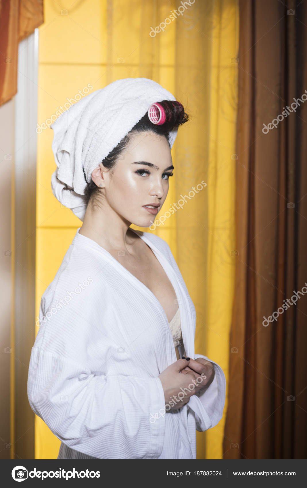 Understood girl bathrobe flash nude recommend you