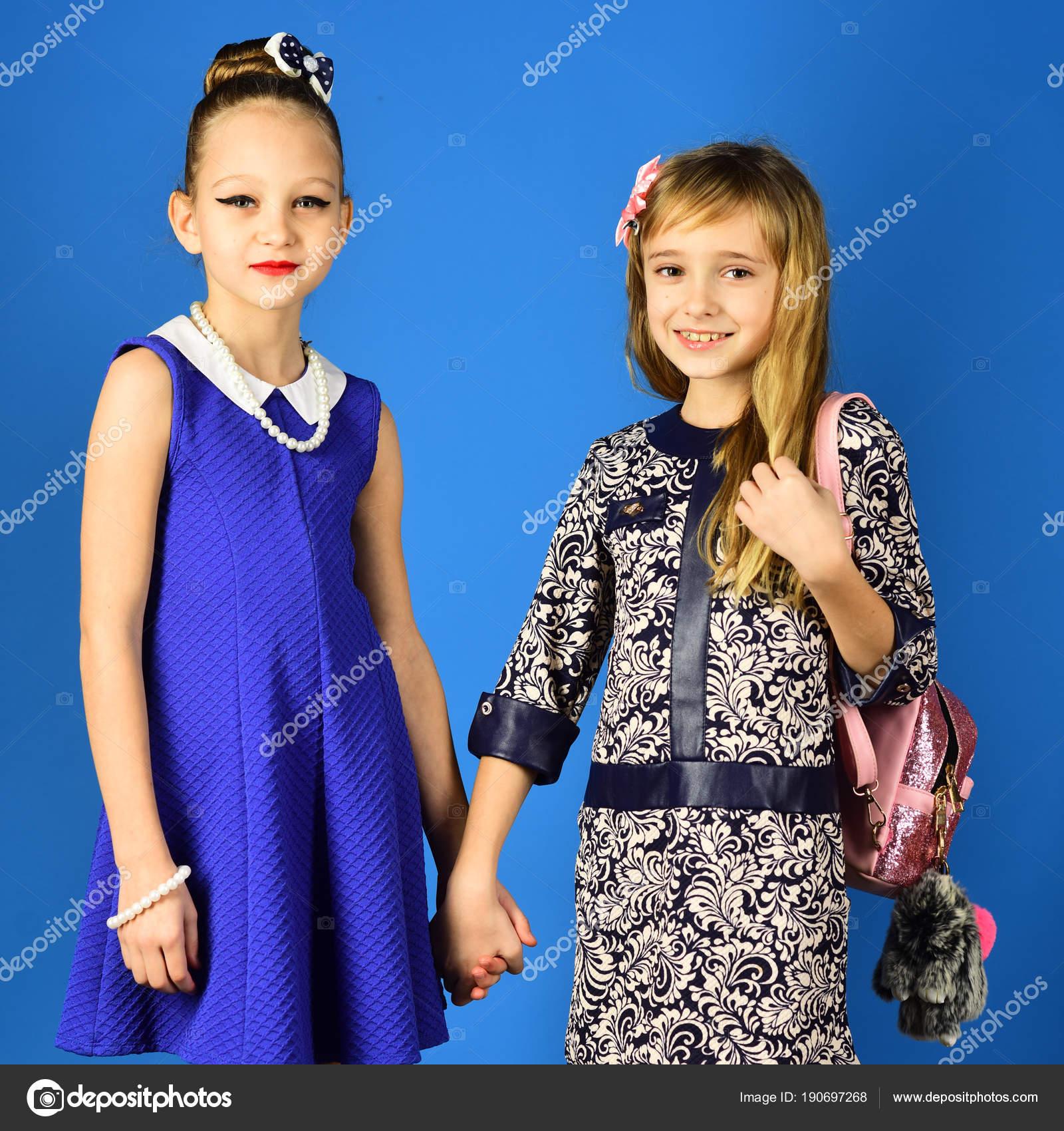 Kinder Mädchen Kleid, Familie und Schwestern. Familie Mode Modell ...