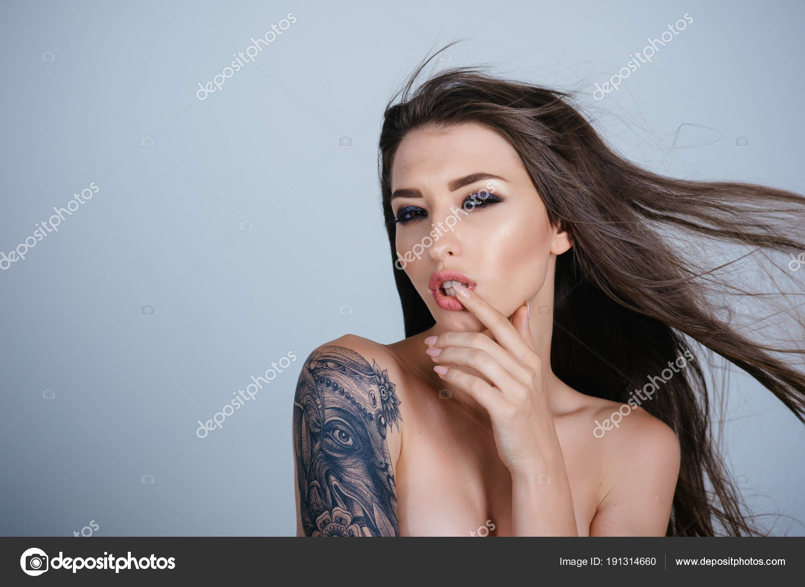 Chinese Symbol Shoulder Tattoo Tattoo Woman Painting Shoulder Tattoo Art Design Painting Draw Culture Stock Photo C Tverdohlib Com 191314660