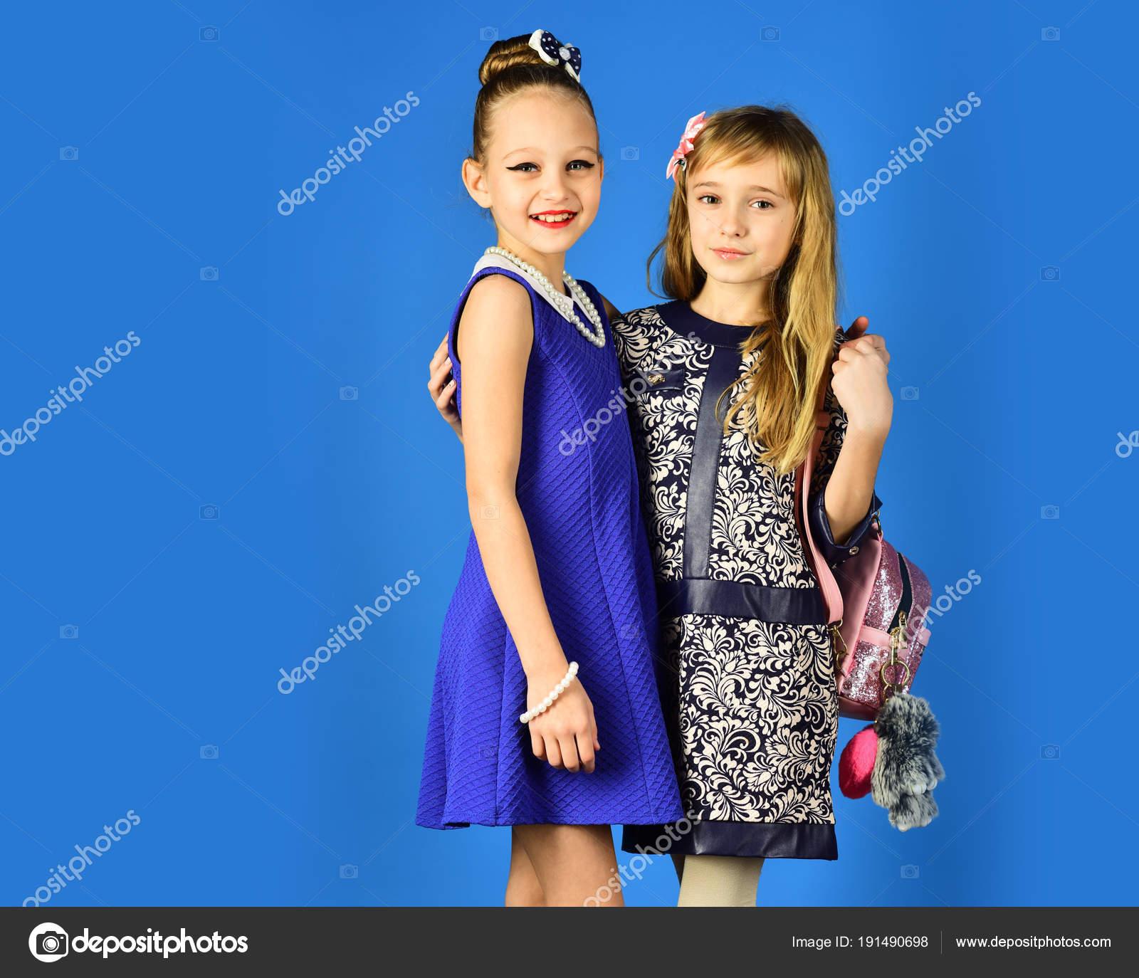 Familie Mode Modell Schwestern Schönheit Freundschaft Look Friseur ...