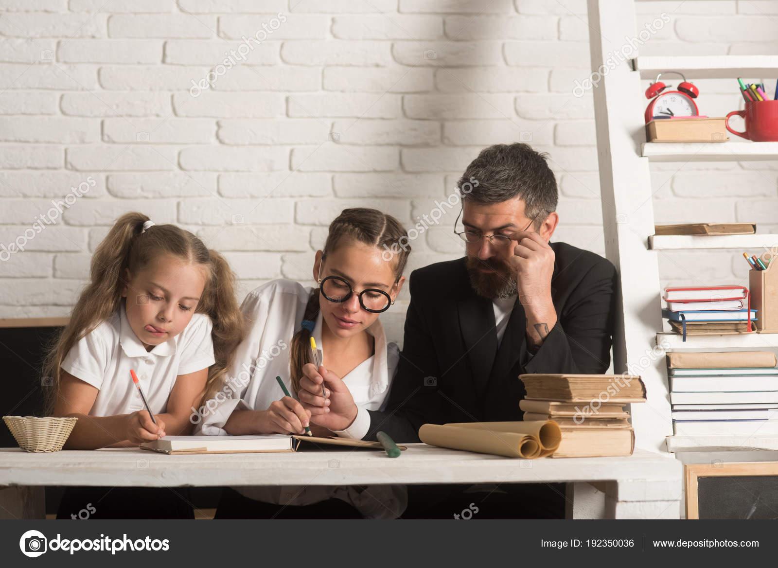 Фото девушек домашнее дети 78