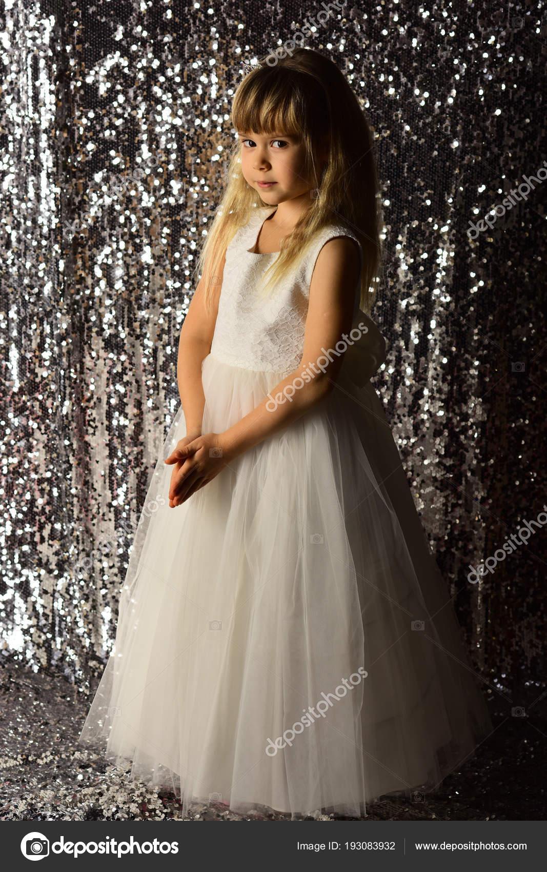 078f3eb3f37 Маленькая Девочка Модные Платья Выпускного Вечера Маленькая Девочка ...
