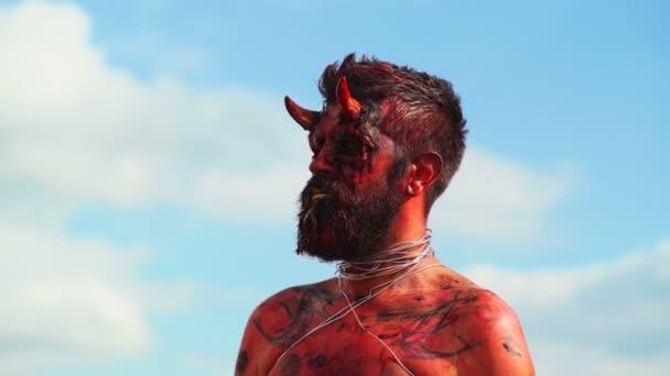Portrét ďábla upír. Halloween monster červený ďábel. Krampus. Vánoční devils. Halloween.