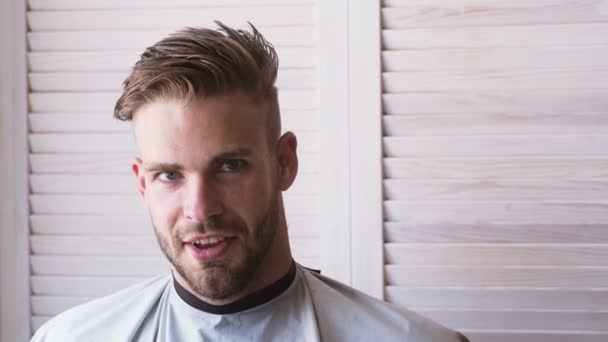 Coupe Cheveux Pour Hommes Aux Ciseaux Coiffeur Grand Moment Salon