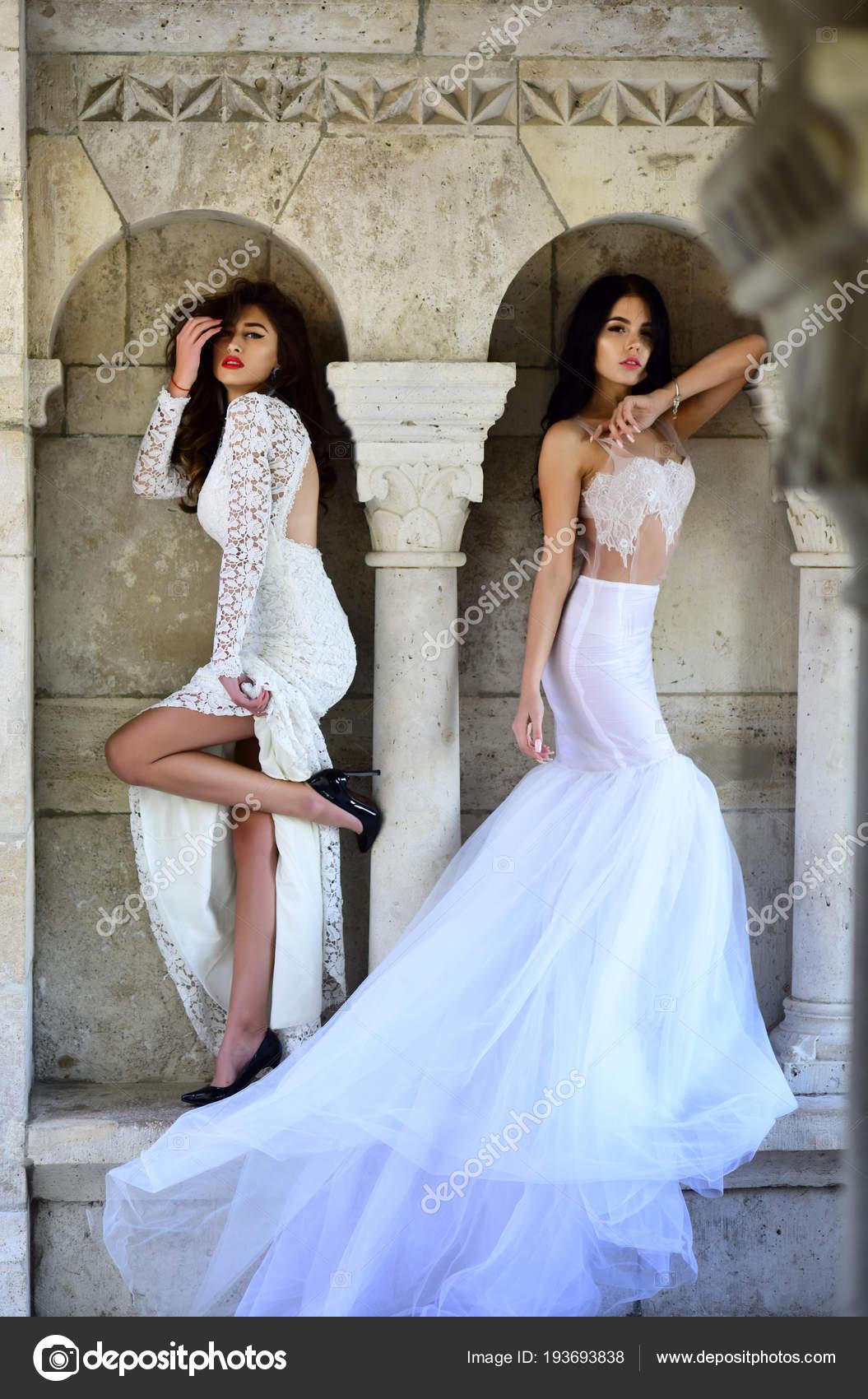 a8dc7d34c8 Princesa Vestido Modelo Moda Boda Moda Salón Belleza Chicas Sexy — Foto de  Stock