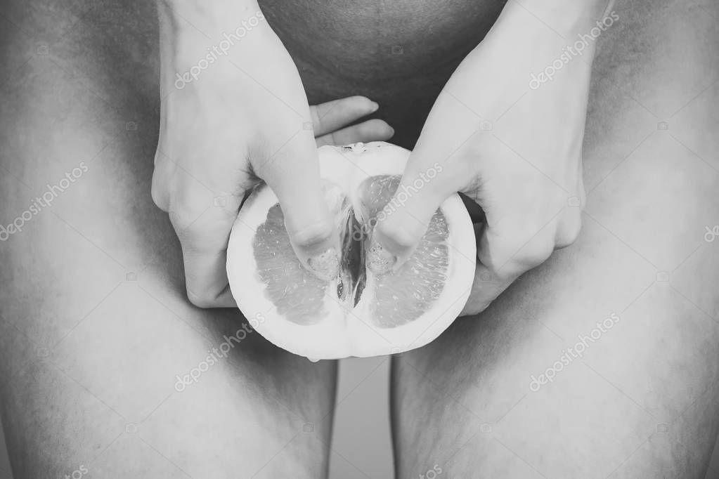 Szőrös leszbikus masszázs pornó