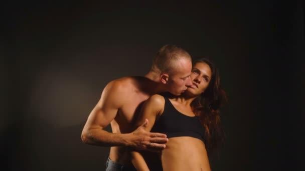 dernières Desi vidéos de sexe les femmes plus âgées ayant des relations sexuelles avec les jeunes gars
