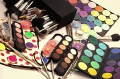 Fotografie Colorful make-up set