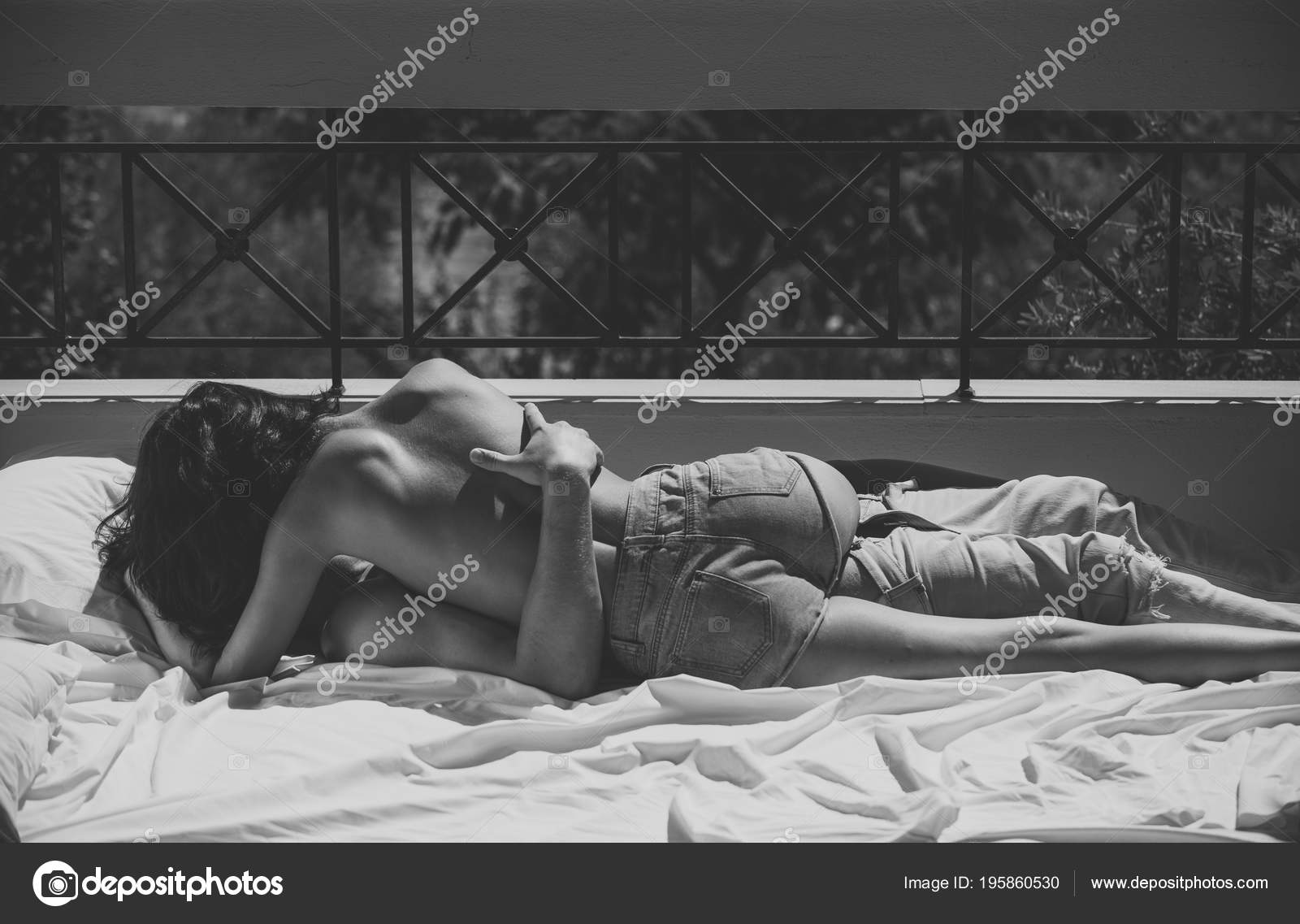 Topless kissing couples sex for lovely