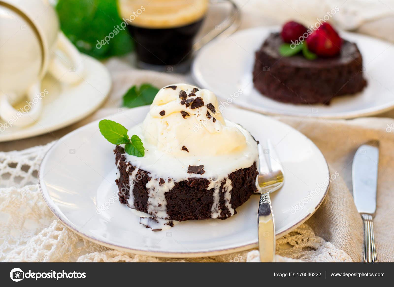 Geschmolzene Schokolade Kuchen Fondant Mit Vanille Eis Zum Nachtisch