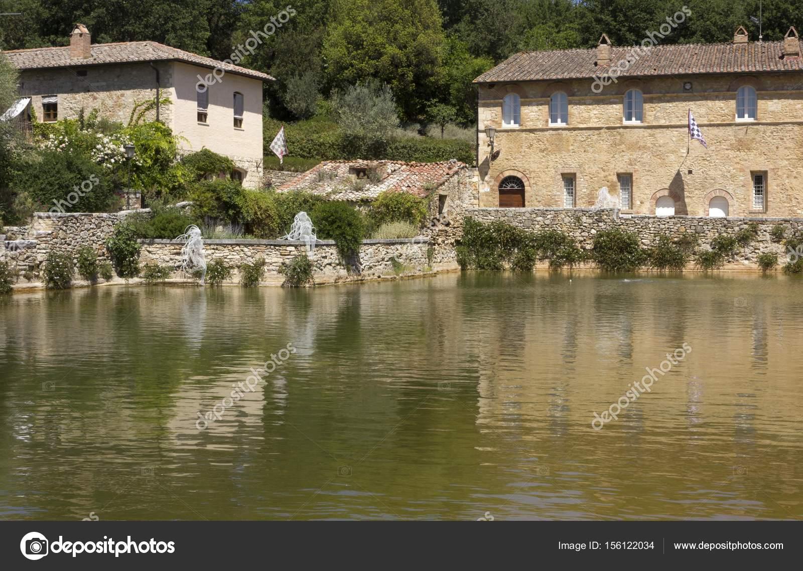 https://st3.depositphotos.com/3585787/15612/i/1600/depositphotos_156122034-stock-photo-bagno-vignoni-medieval-town-with.jpg