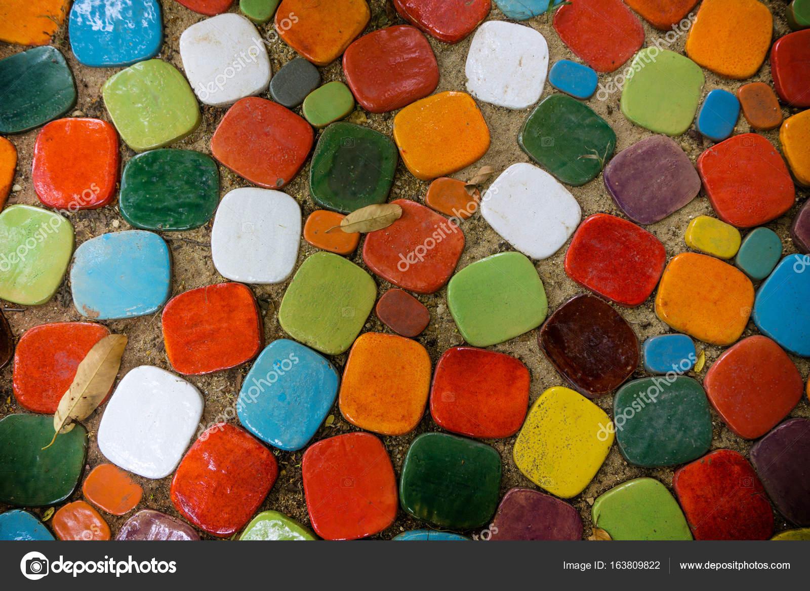 Aus Was Besteht Keramik der boden besteht aus bunten keramik stockfoto pkproject 163809822
