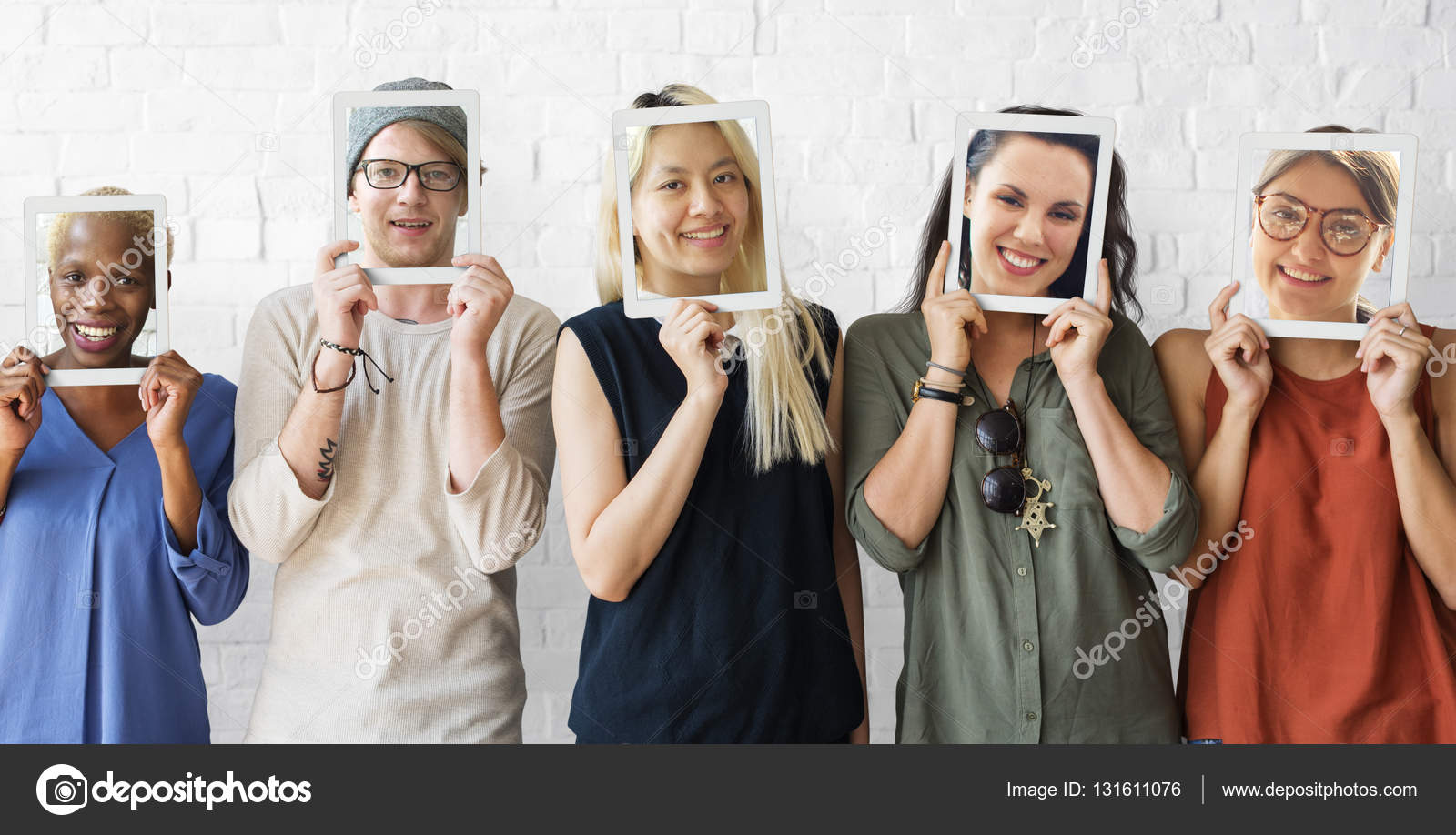 people holds frames — Stock Photo © Rawpixel #131611076