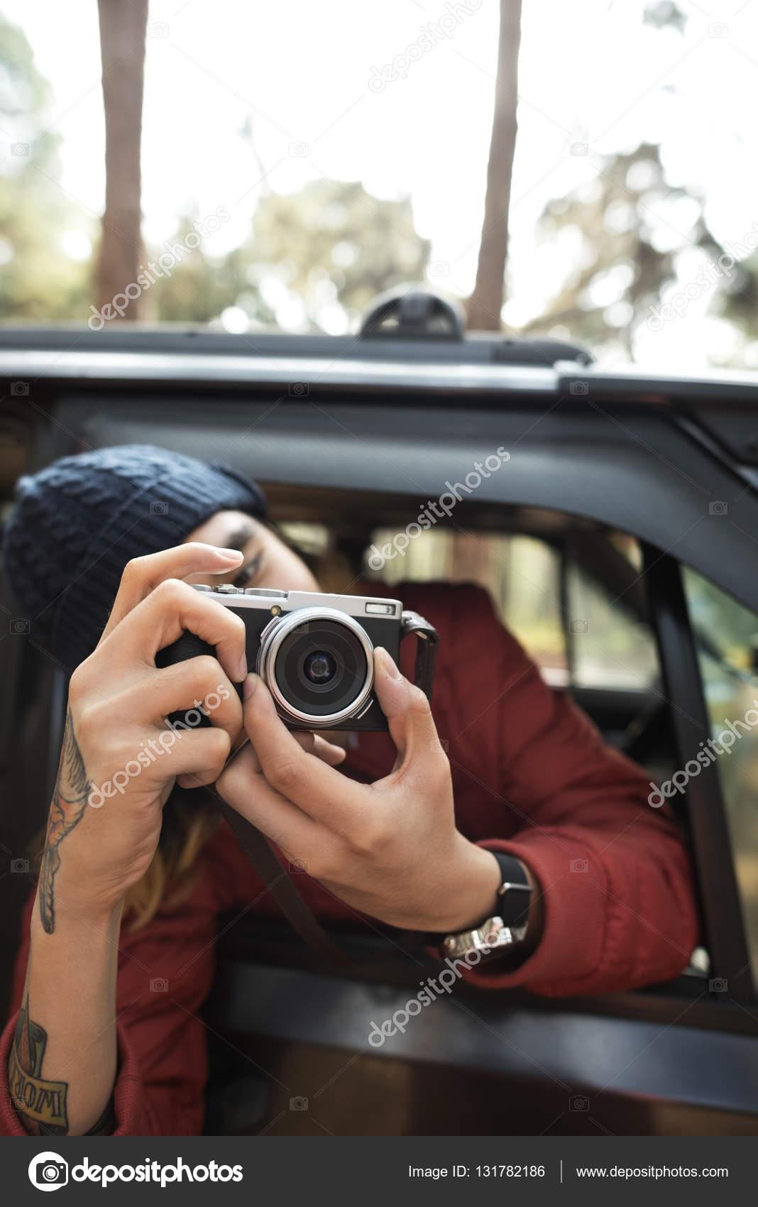 Fotograf, Shooting mit Kamera — Stockfoto © Rawpixel #131782186