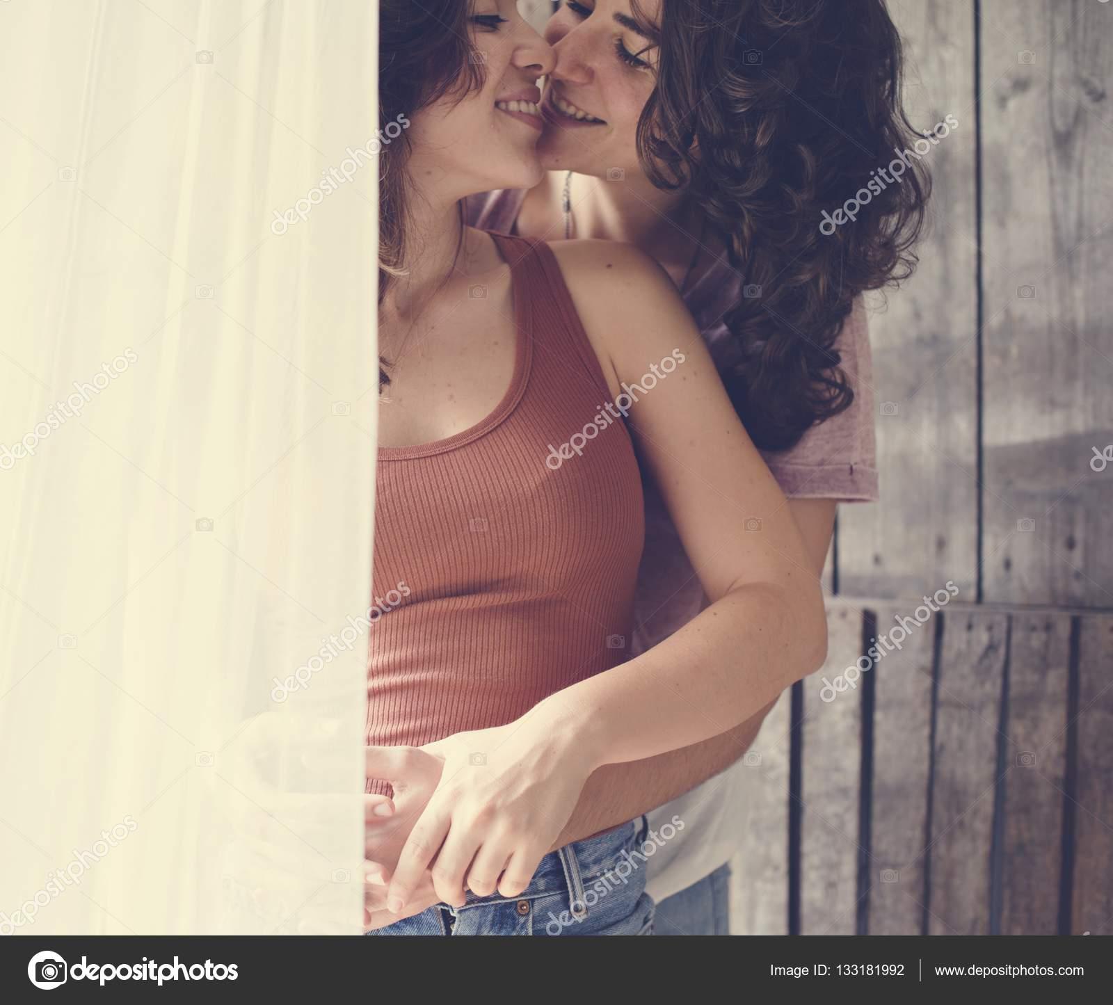 lesbisk kyssar pic
