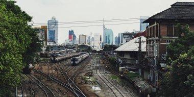 buildings at railway tracks