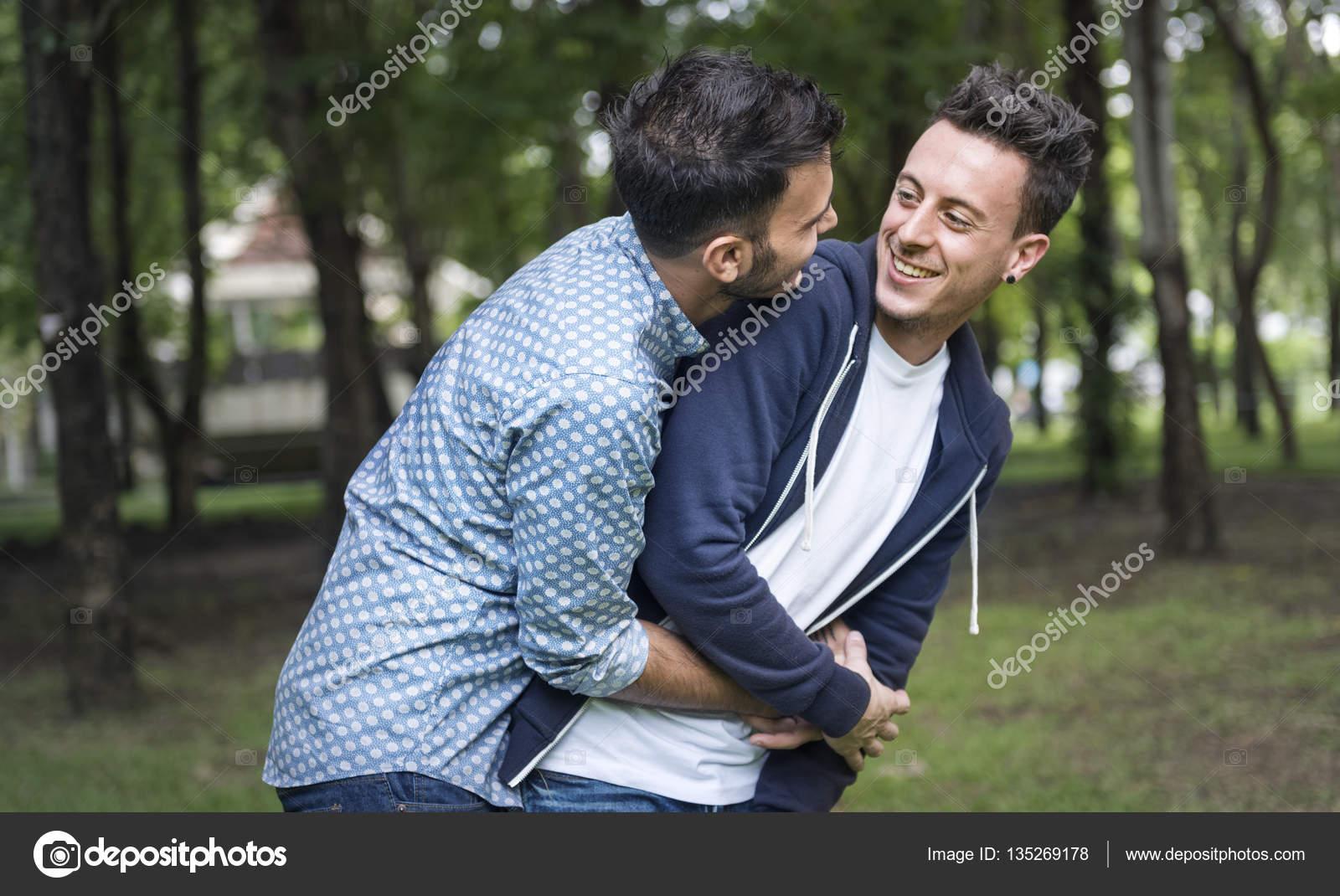 Happy Gay paar samen — Stockfoto © Rawpixel #135269178