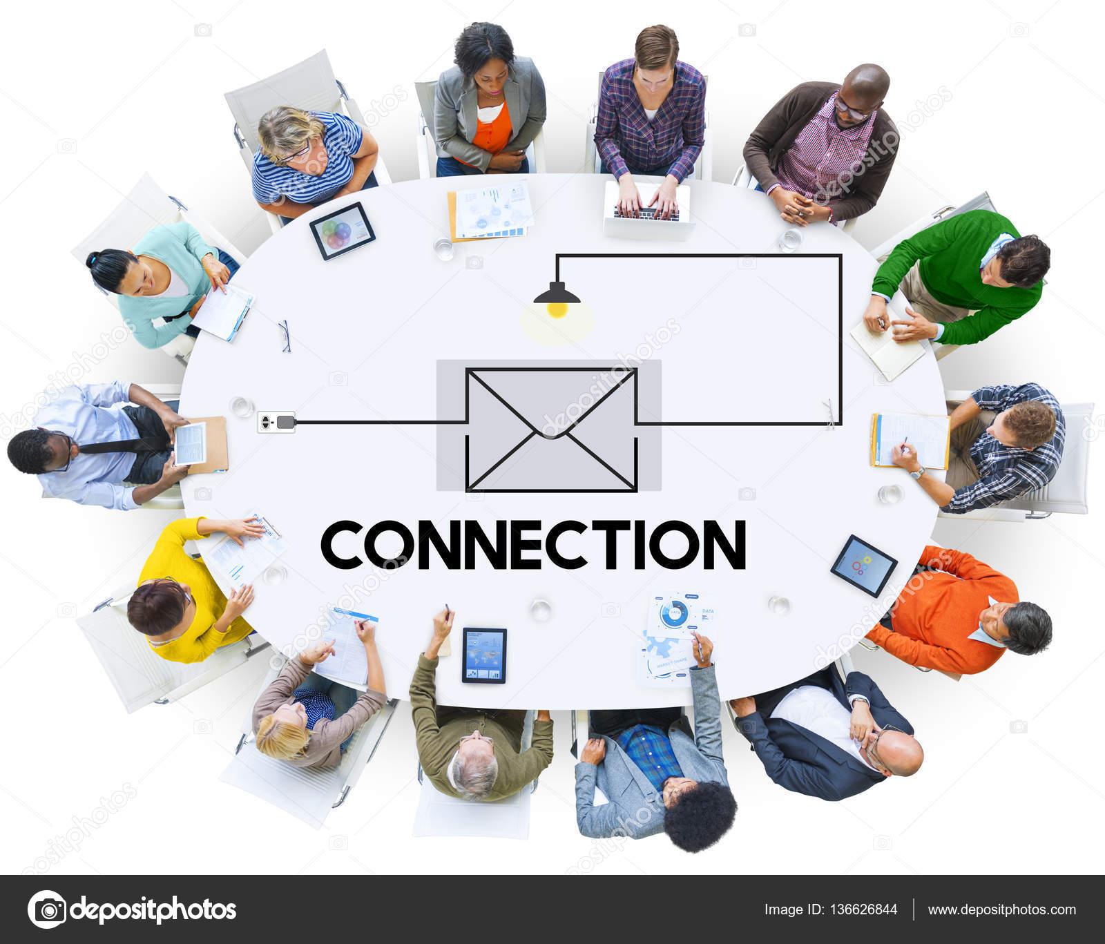 Pessoas sentadas em mesa redonda — Stock Photo © Rawpixel