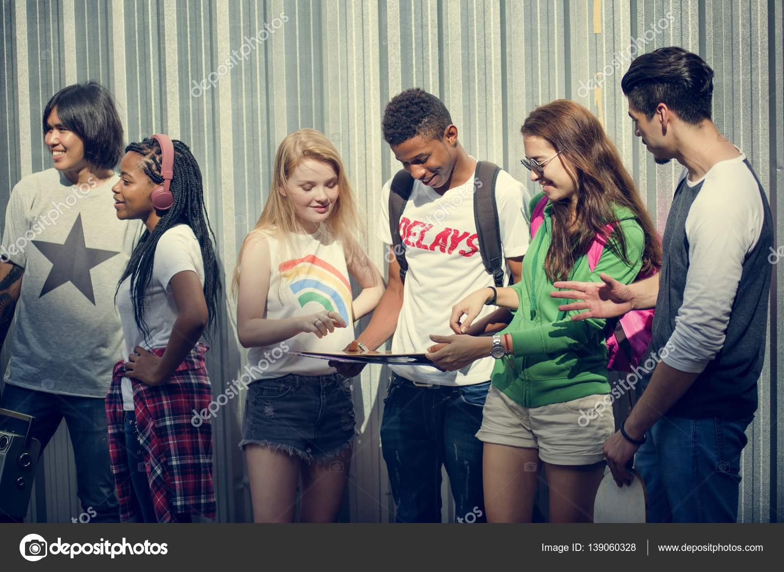 Imágenes Grupos De Amigos Adolescentes Grupo De Amigos