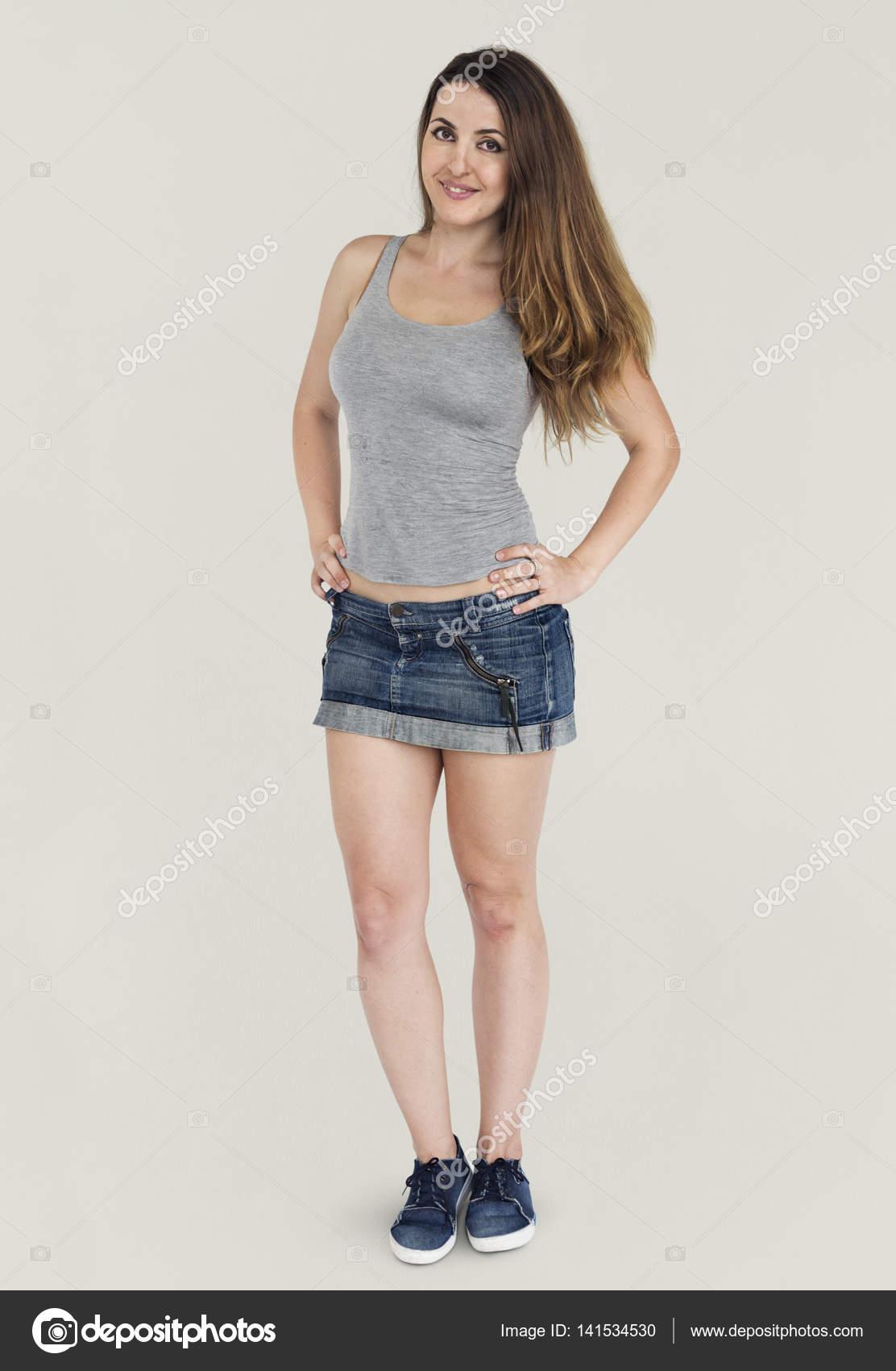 Фото эротичная красавица в джинсовой юбке