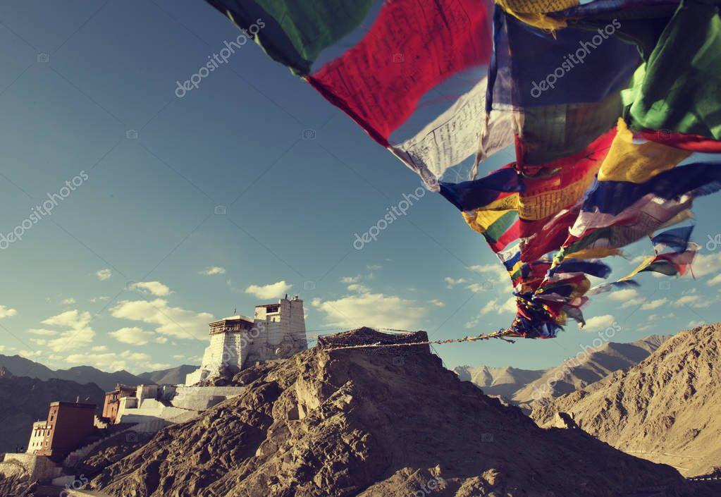 flags in khardungla, india