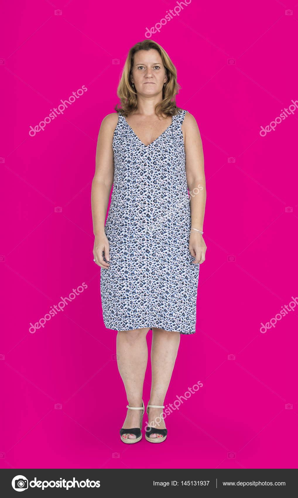 Reife Frau im Kleid — Stockfoto © Rawpixel #145131937