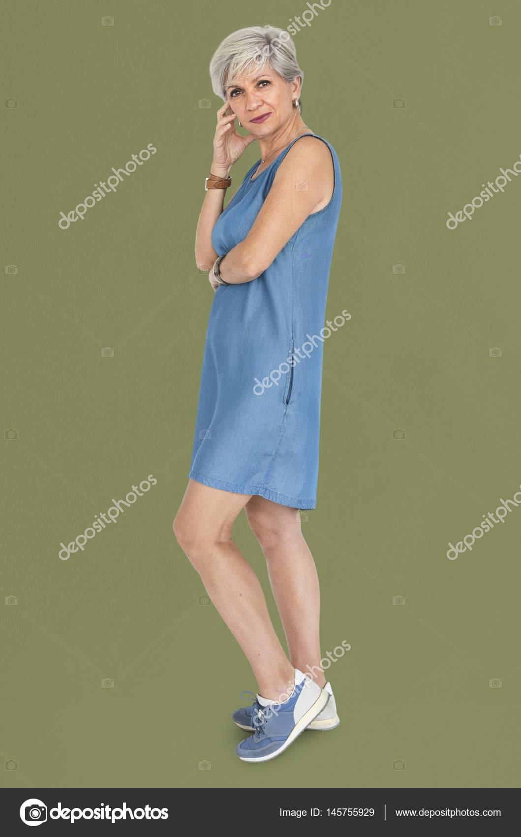 matura donna caucasica — Foto Stock © Rawpixel  145755929 ae3b8544ccbf