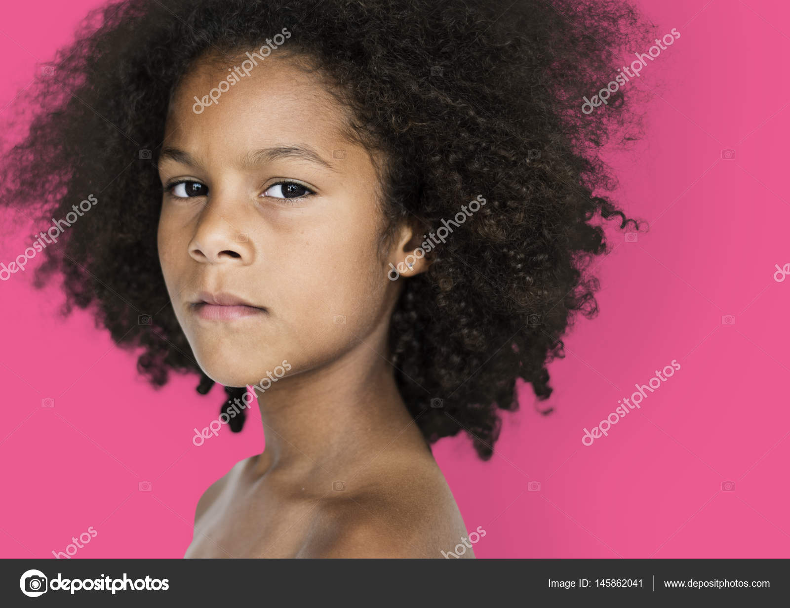 Afrikaanse kind met afro kapsel u stockfoto rawpixel