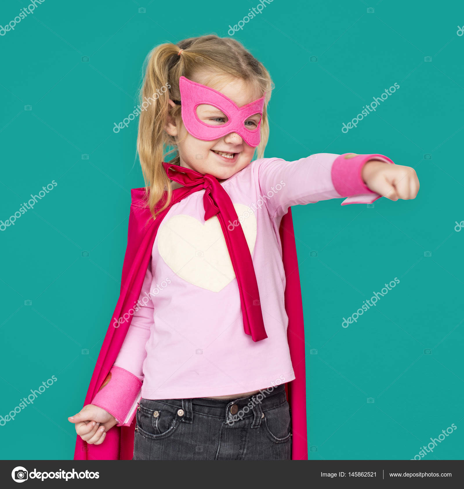 Niña Vestirse De Superhéroe Traje Foto De Stock Rawpixel