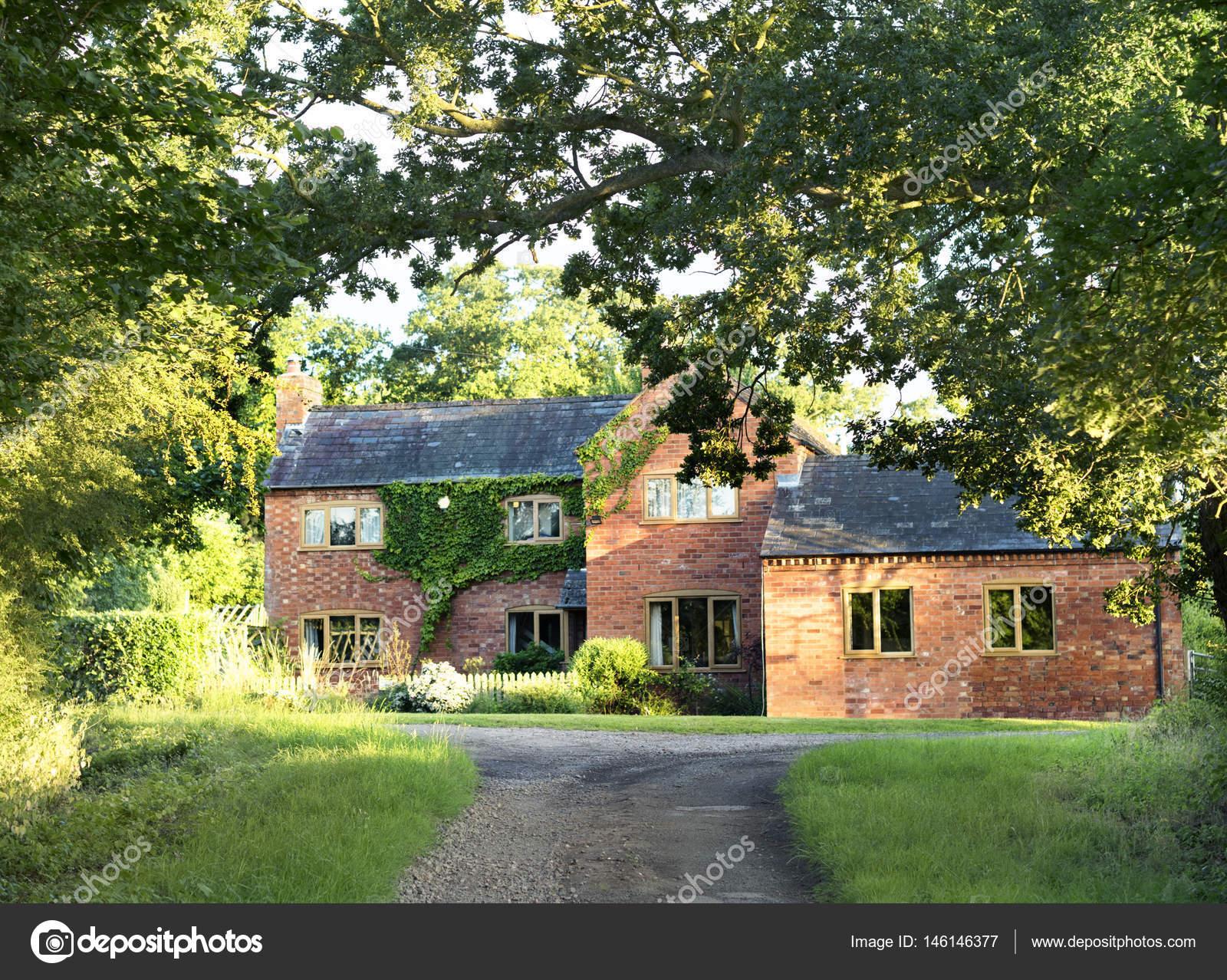 Luxe huis in de zomer u2014 stockfoto © rawpixel #146146377