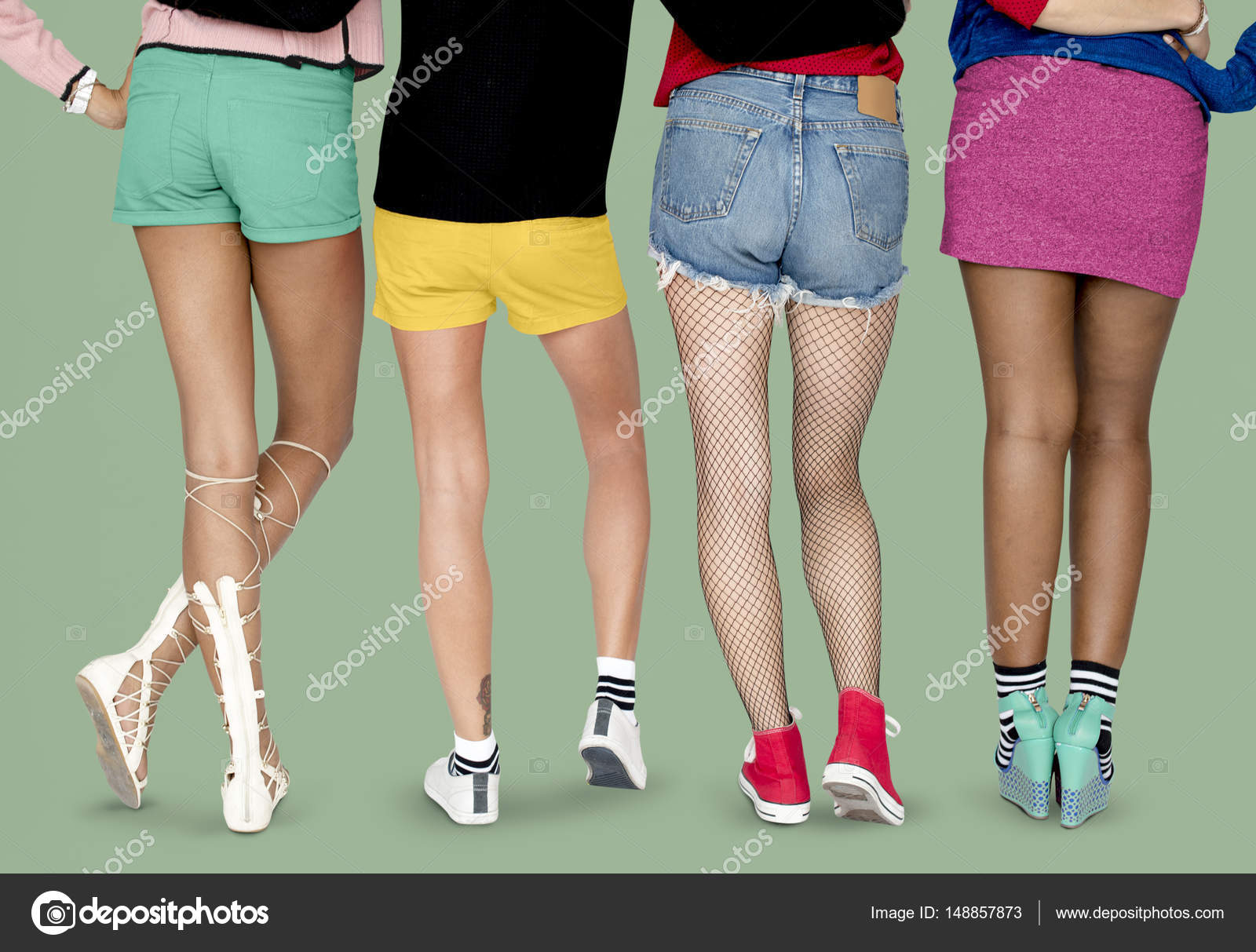 Женские ножки фото в студии фото 113-914